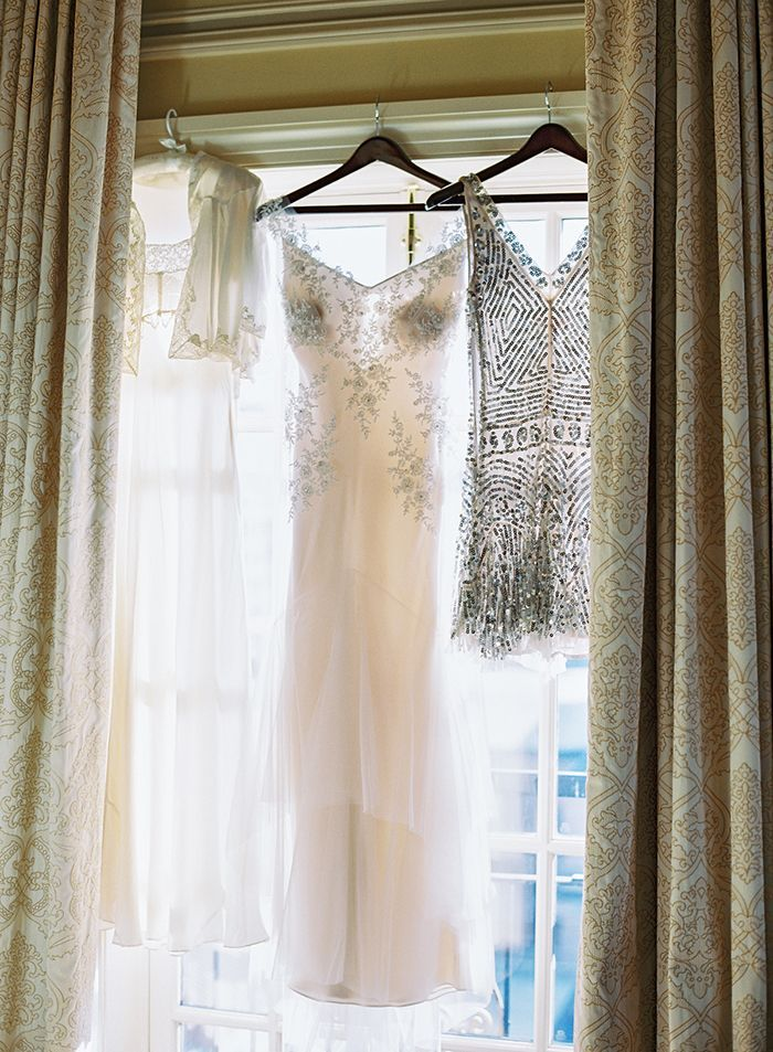 3-bridesmaid-dresses-in-window