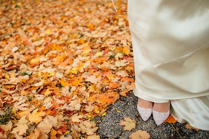 4-fall-wedding-orange-leaves