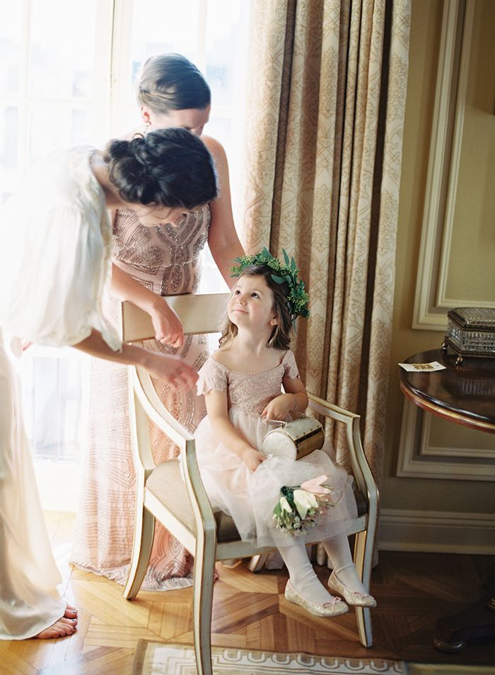4-flower-girl-getting-ready