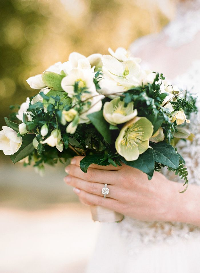 6-green-white-wedding-bouquet