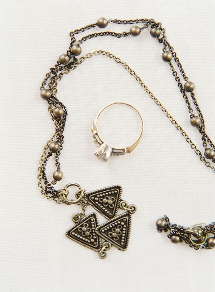 6-vintage-gold-jewelry