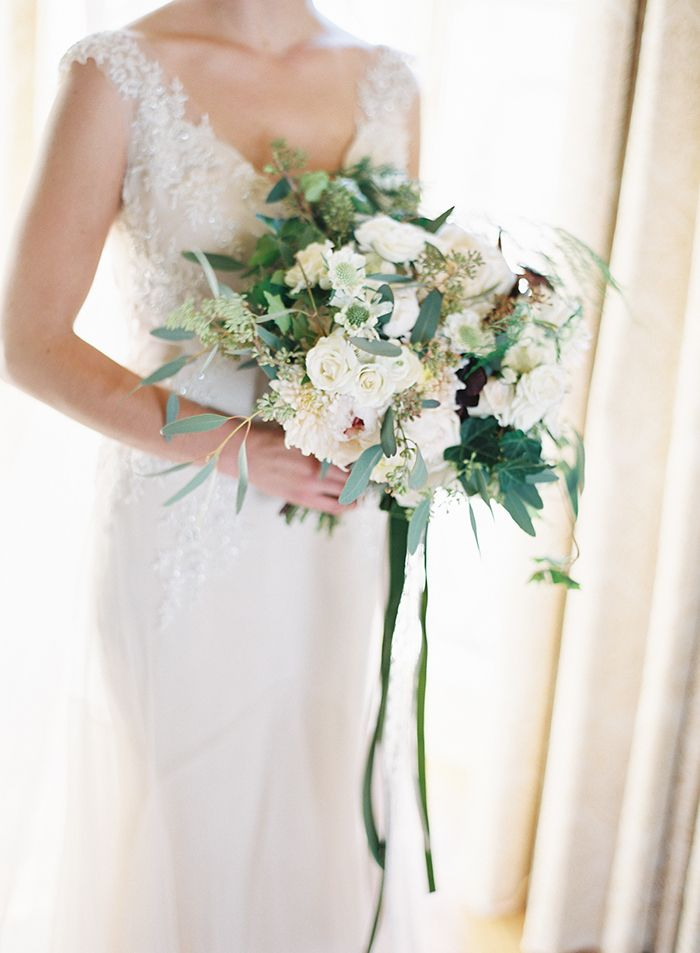 9-white-rose-wedding-bouquet