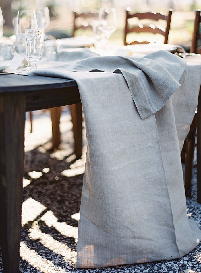 10-blue-linen-table-runner-rustic