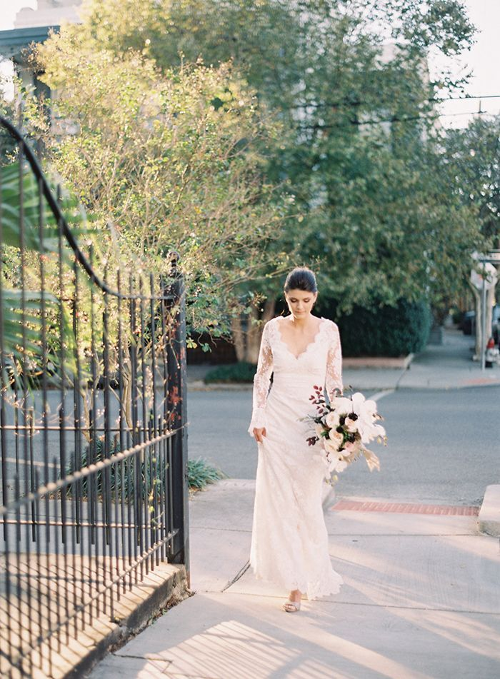 11-long-sleeve-lace-wedding-gown