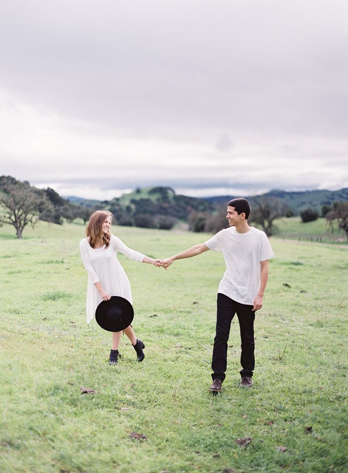 16-laidback-engagement-session-white-dress
