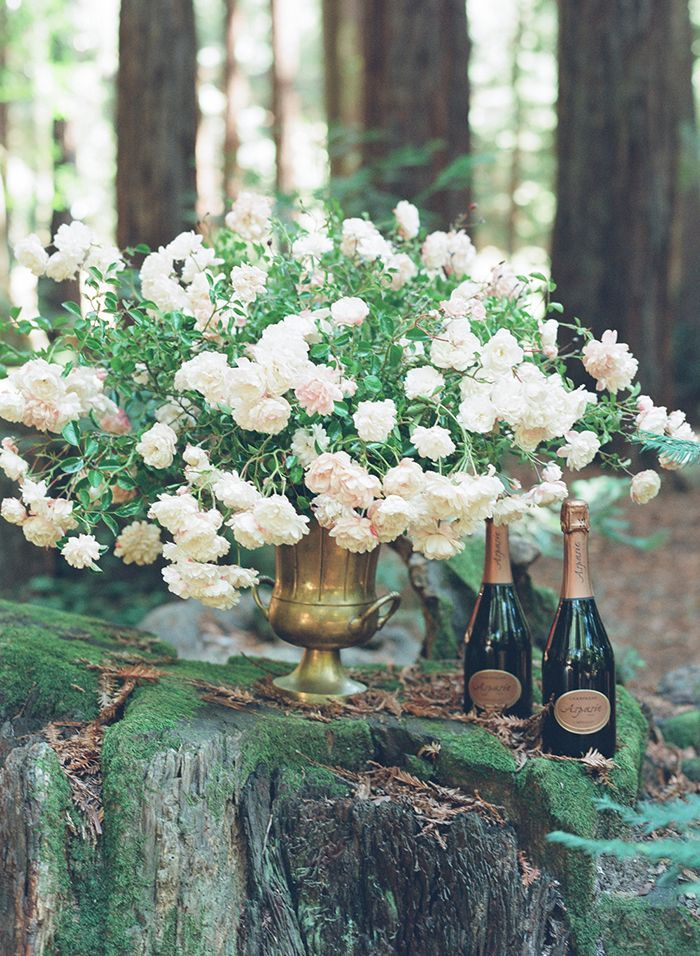 16-lush-white-centerpiece-wedding-champagne