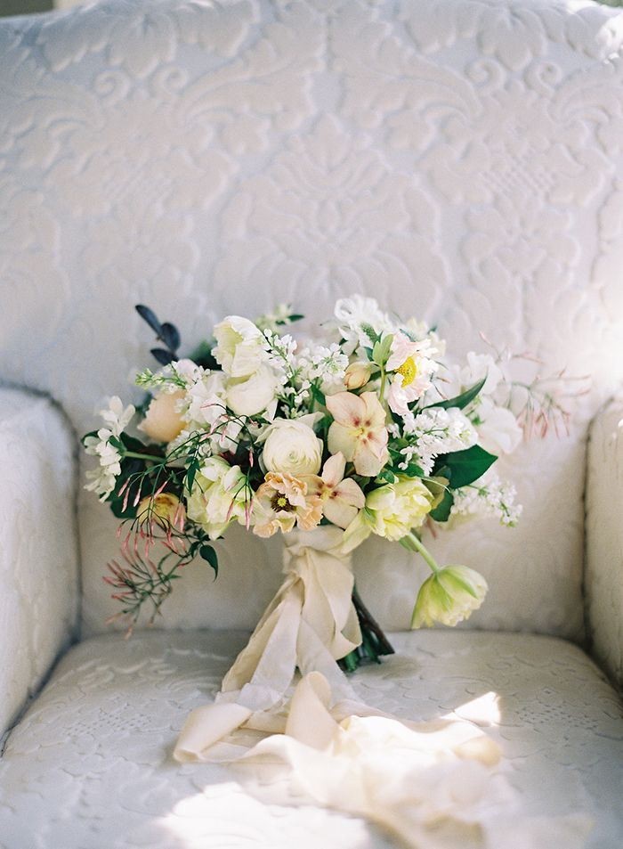 16-white-wedding-bouquet-frou-frou-chic