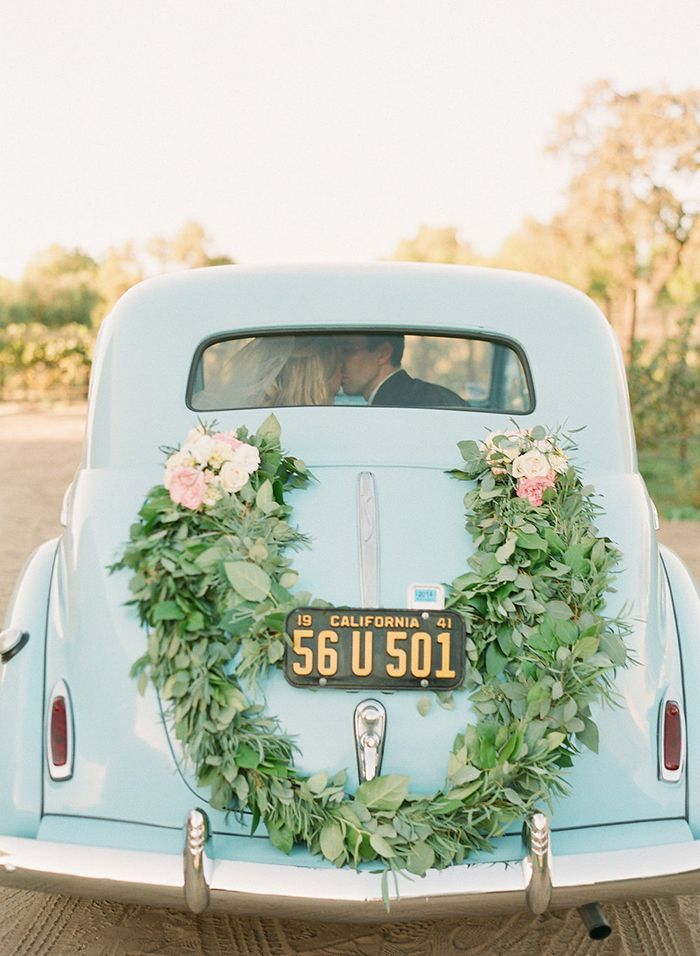 17-blue-vintage-car-california-wedding