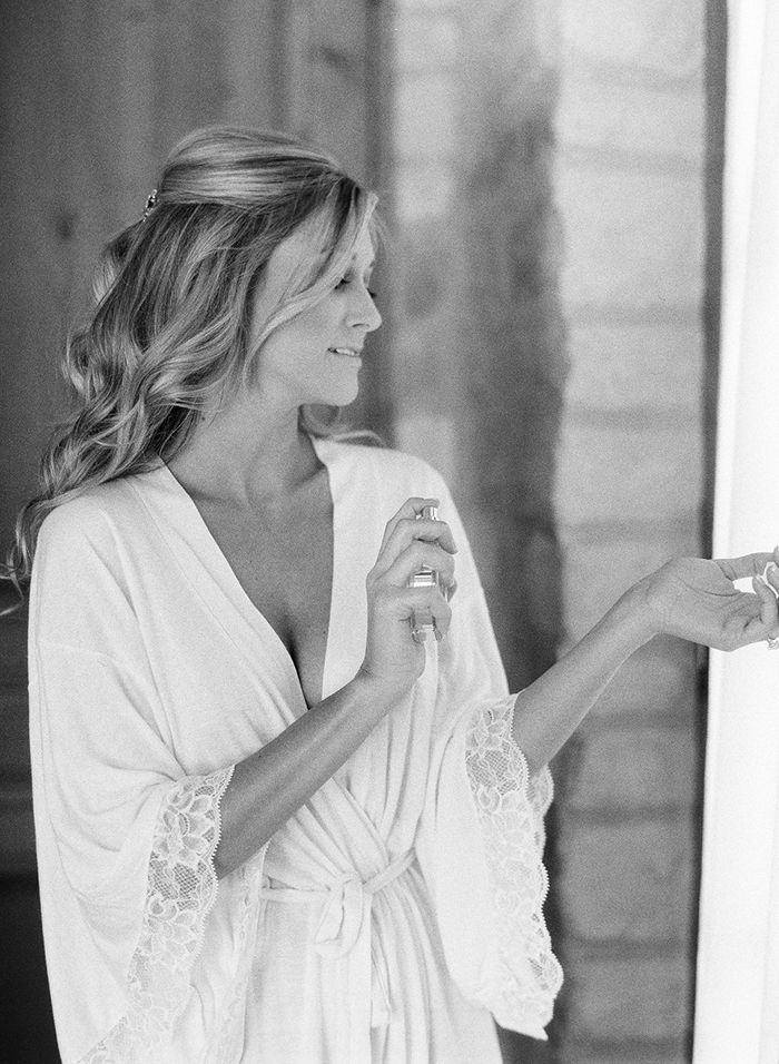 25-lace-robe-wedding-day-getting-ready