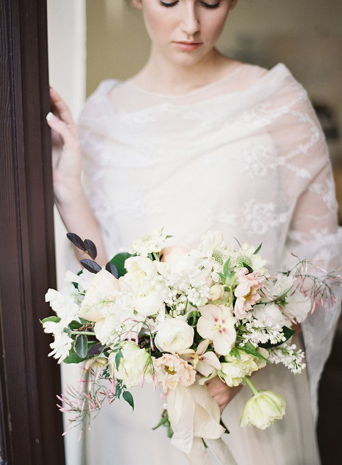 4-white-tulip-bouquet-lace-gown