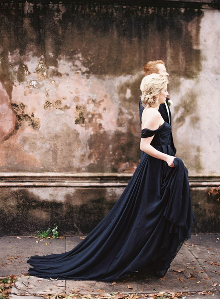 6-elegant-wedding-gown-downtown-charleston