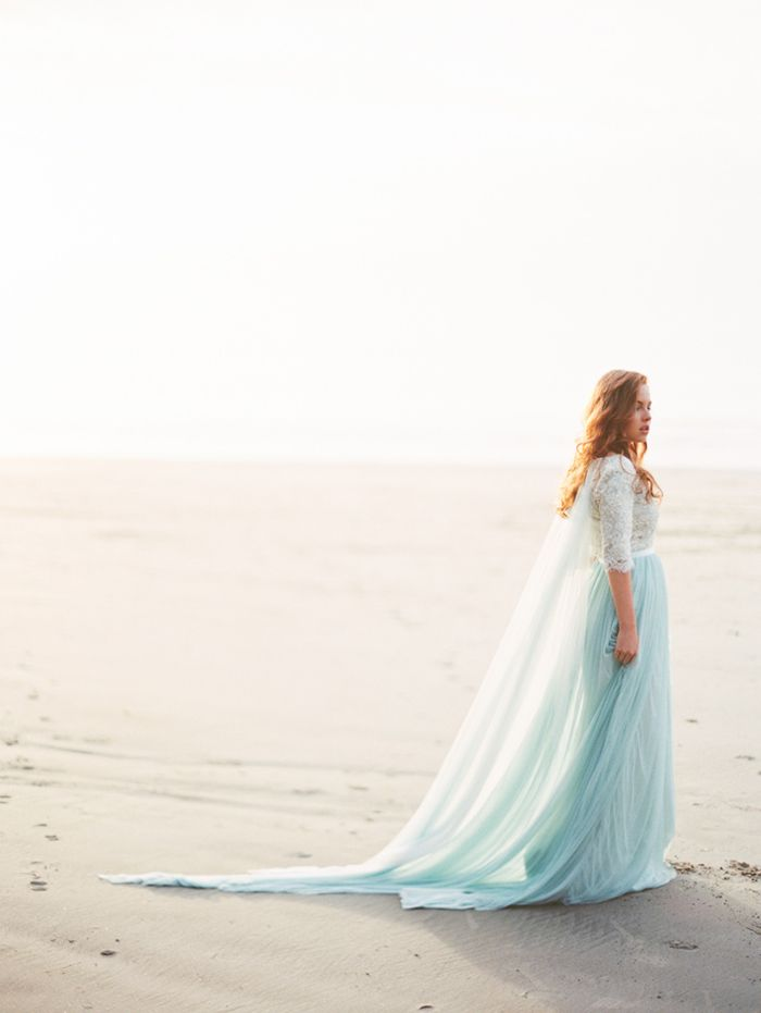 7-beach-photography-blue-lace-gown