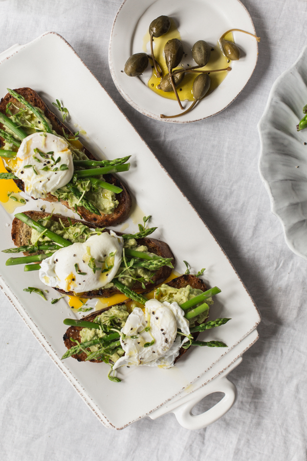 Poached Egg and Asparagus Crostini Recipe