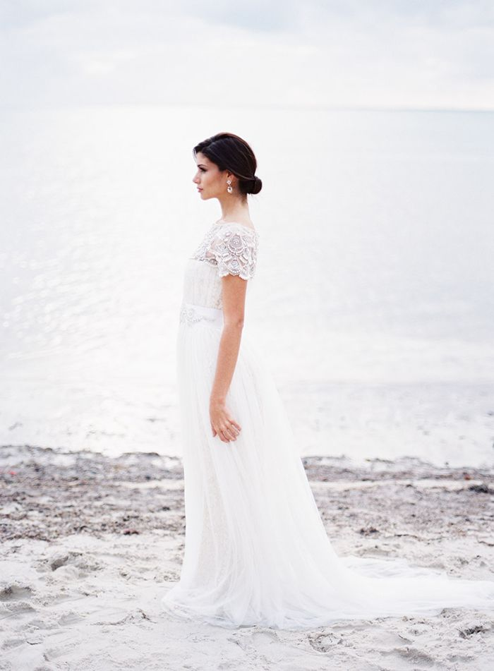 10-timeless-beach-wedding-marchesa-wedding-gown