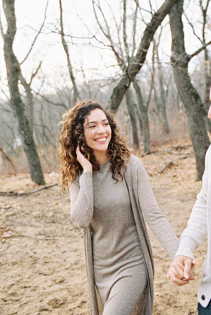 12-zara-grey-sweater-simple-outdoor-engagement-session