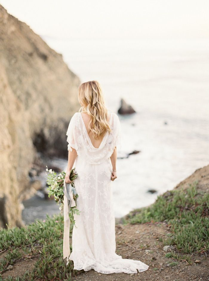 14-california-coast-wedding-rue-de-seinge-gown