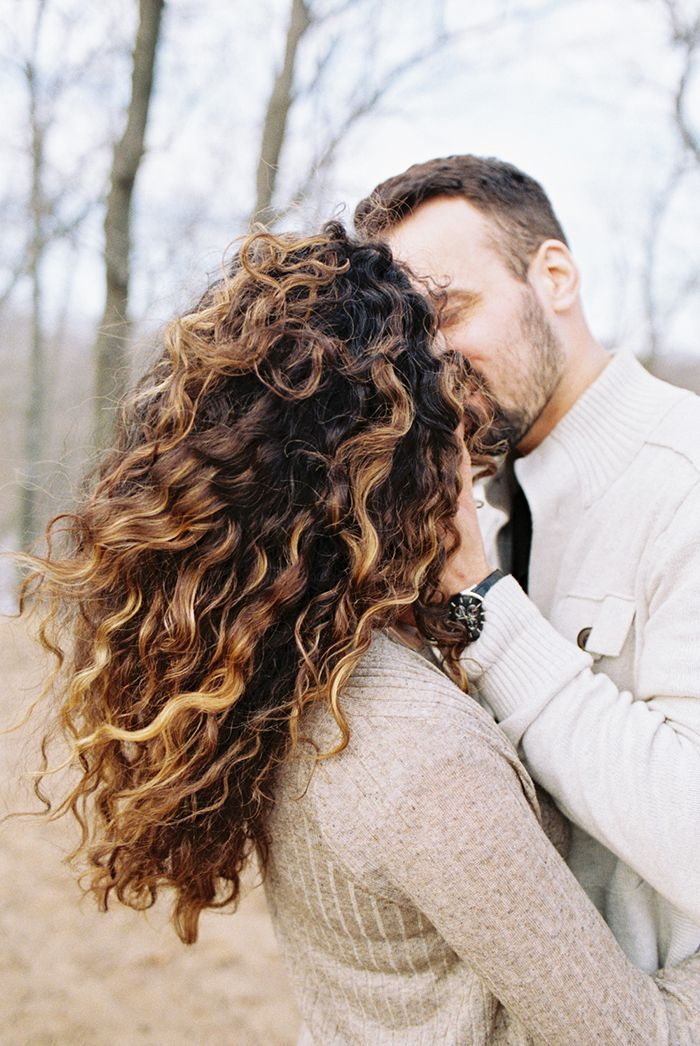 15-windy-outdoor-engagement-lauren-balingit-photography