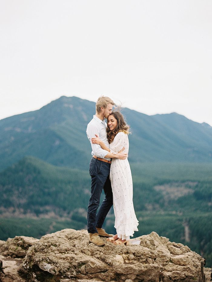 17-jessica-rose-engagement-photography-rattlesnake-ridge
