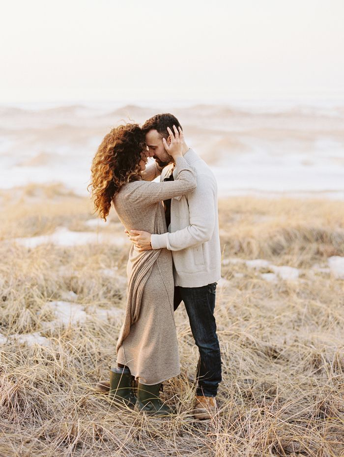 19-romantic-engagement-session-zara-sweater-lauren-balingit