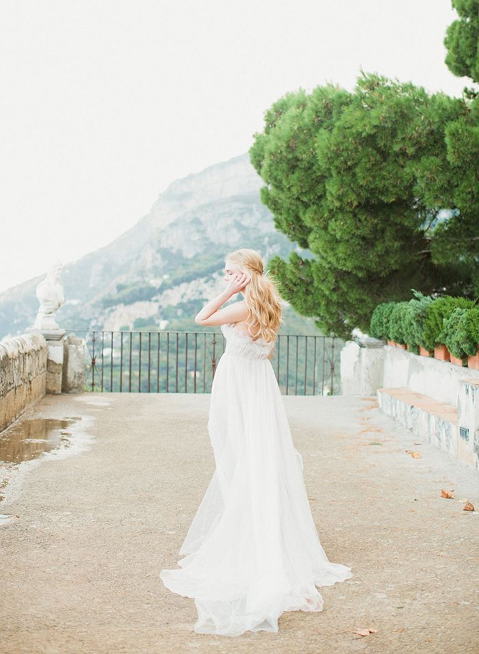 2-summer-villa-wedding-samuelle-couture-gown