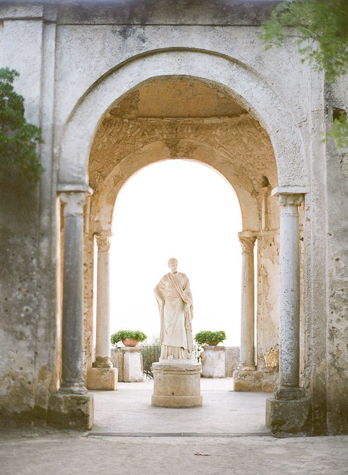 3-villa-cimbrone-wedding-garden-statue