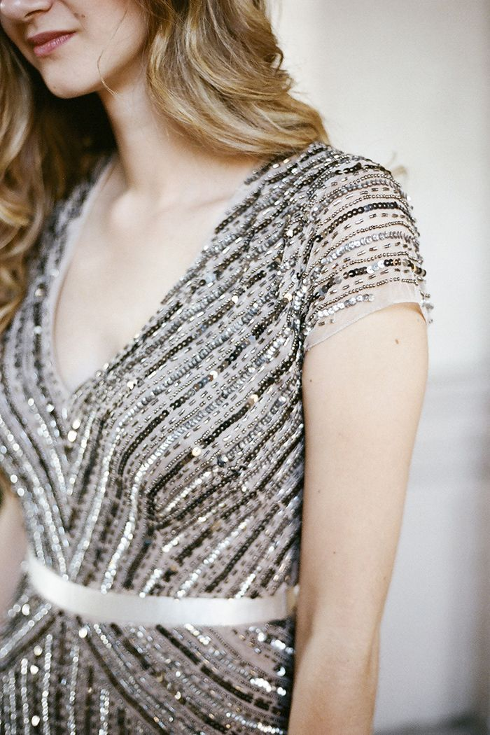 5-damaris-mia-photography-black-gold-sequin-adrianna-papell-gown