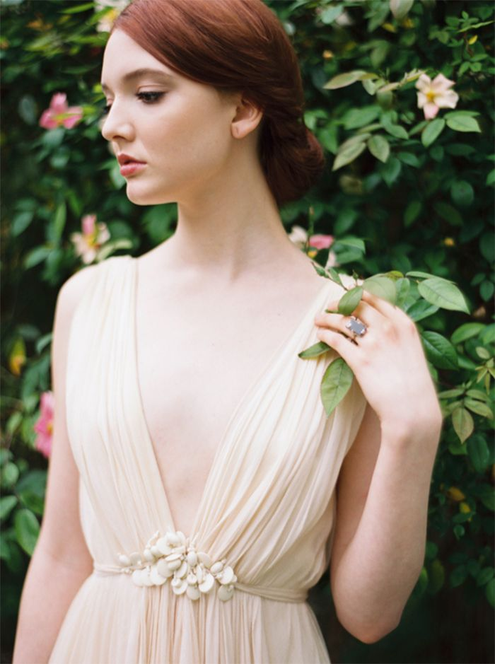 5-organic-wedding-inspiration-ivory-green