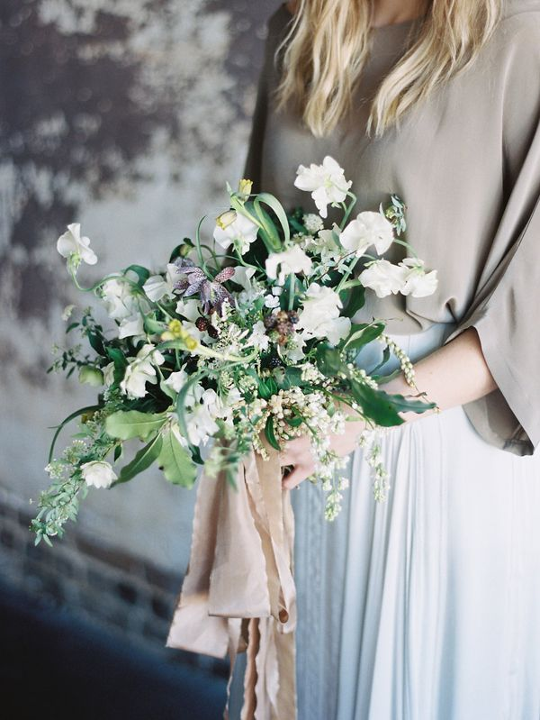 6-green-purple-white-wedding-bouquet-ginny-au-styling