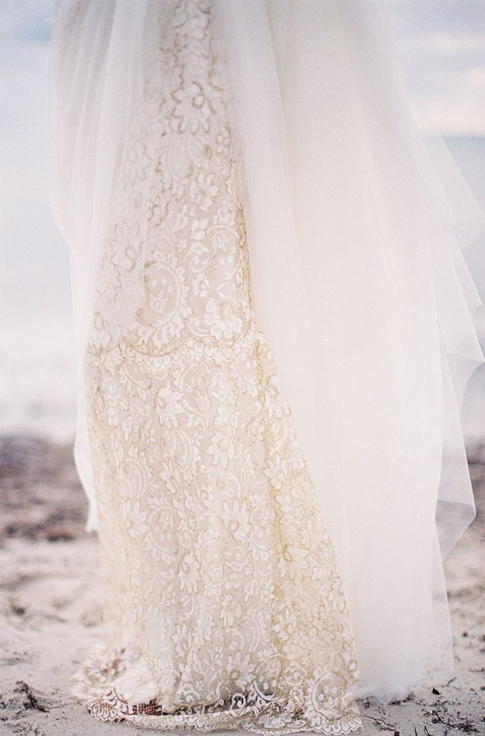 7-lace-flowy-wedding-gown-marchesa
