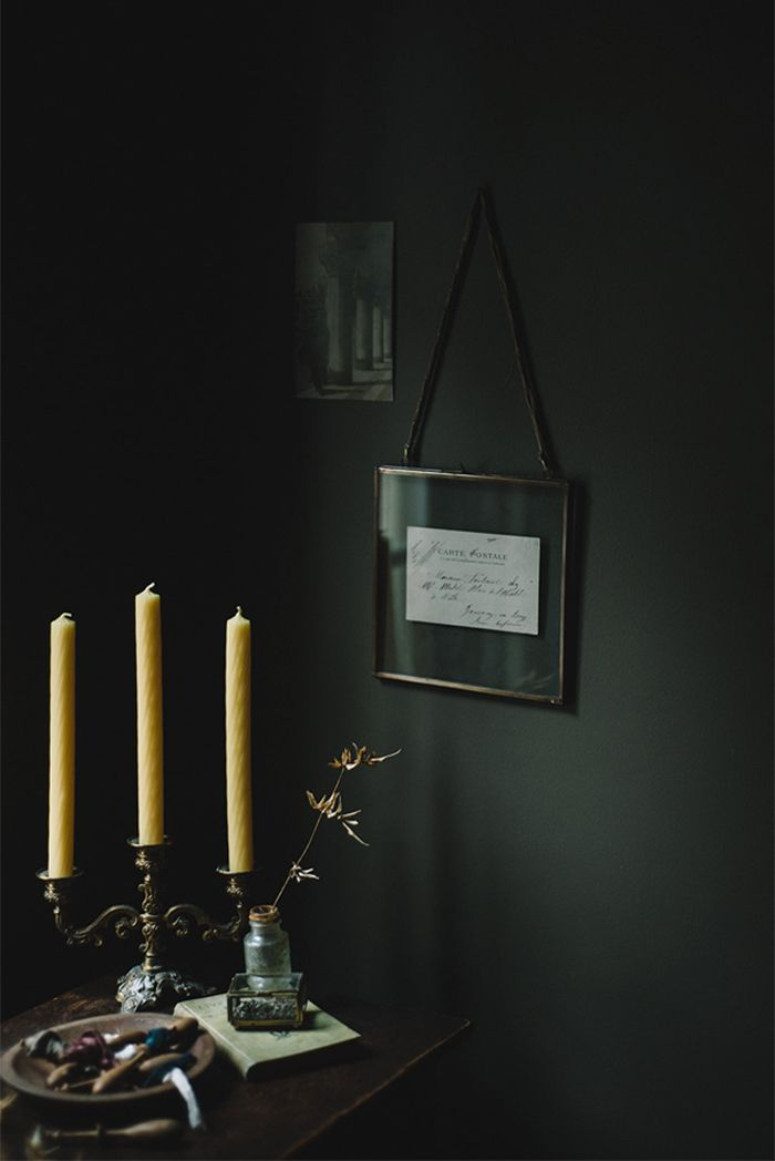 8-moody-home-office-antique-gold-candle-sticks