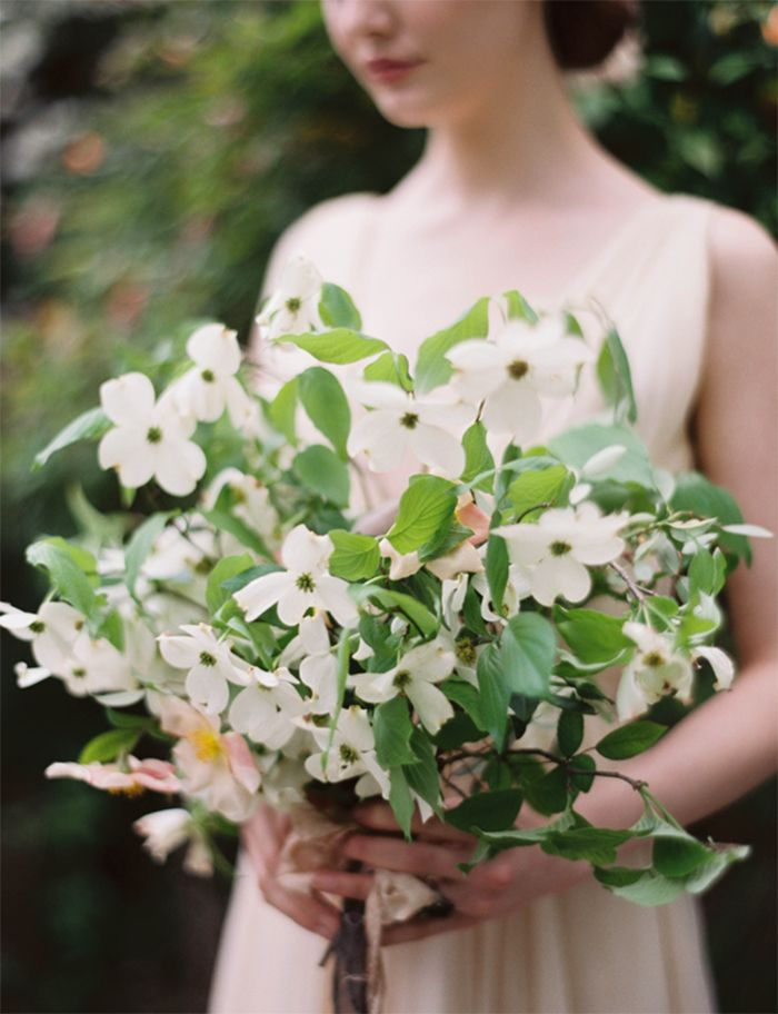 8-organic-wedding-bouquet-inspiration-white-green