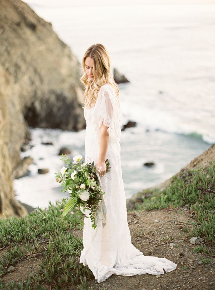 9-california-coast-wedding-white-green-bouquet-rue-de-seine-gown