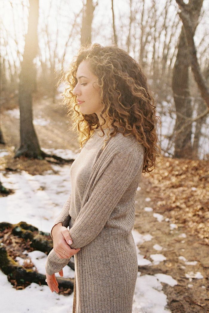 9-sunset-outdoor-curly-hair-zara-sweater