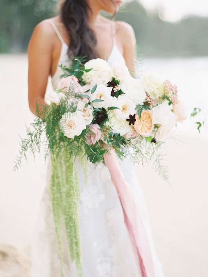 1-lush-white-green-pink-bouquet