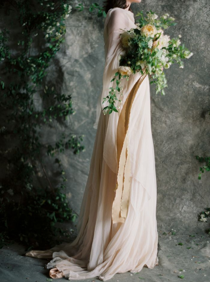 11-moody-spring-wedding-ideas