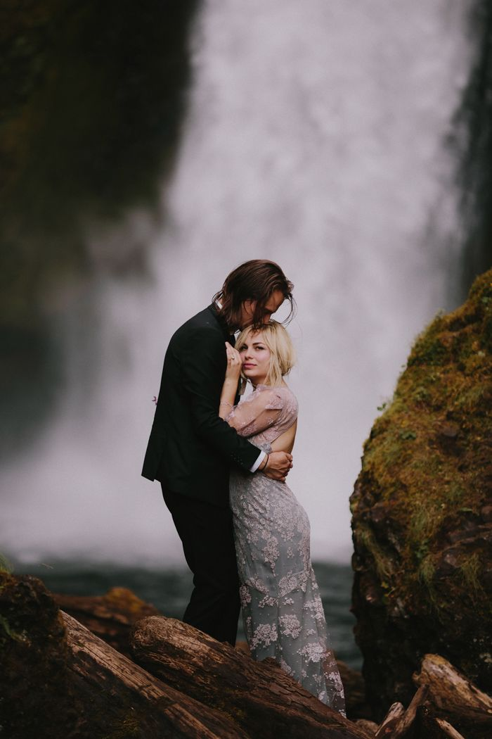11-stunning-mountain-wedding-waterfall