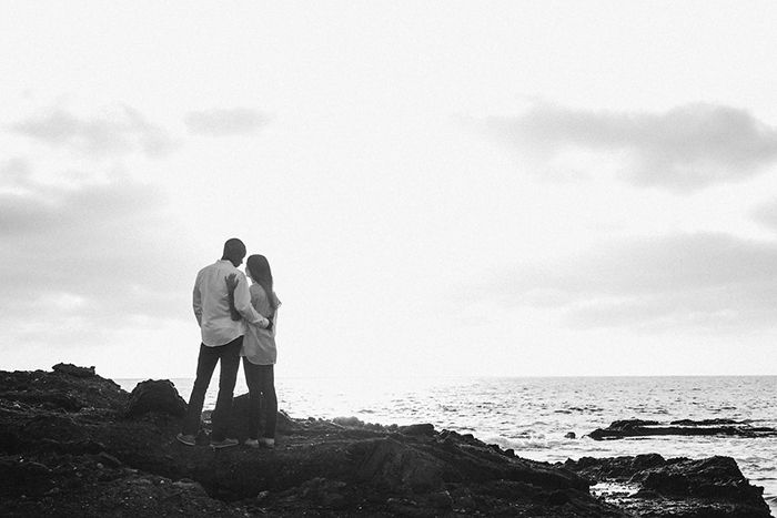 12-intimate-beach-engagement-session