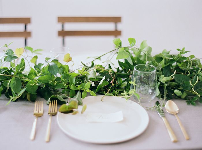 13-green-white-gold-wedding-inspiration
