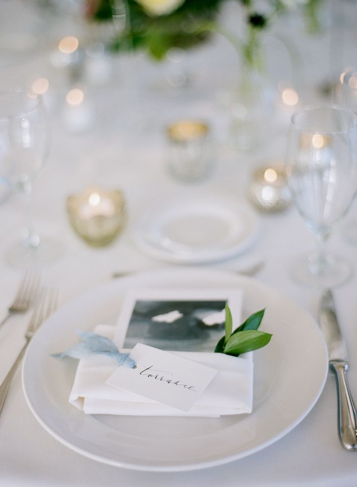 15-simple-white-green-blue-wedding-reception