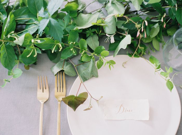 15-white-gold-green-organic-wedding-ideas