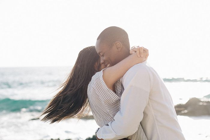 17-simple-engagement-session-outfit-ideas