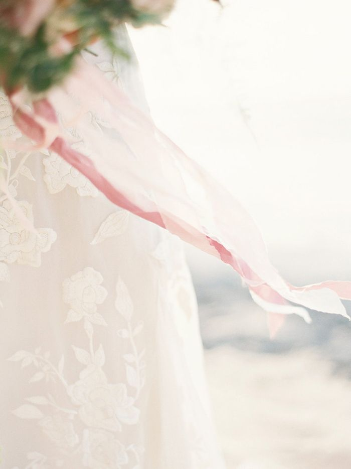 3-lace-wedding-gown-beach-inspiration