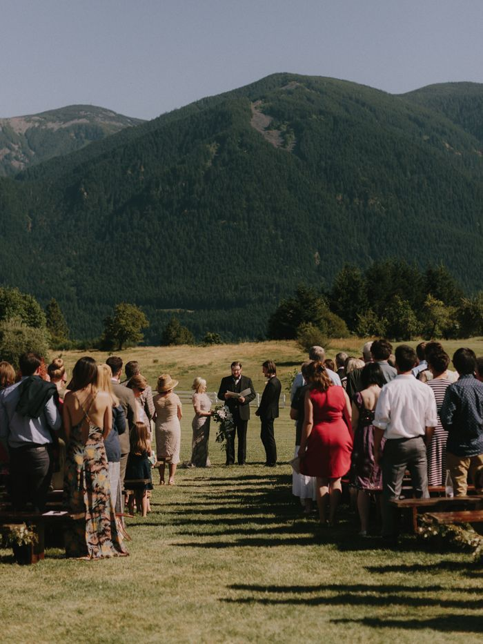 7-simple-outdoor-wedding
