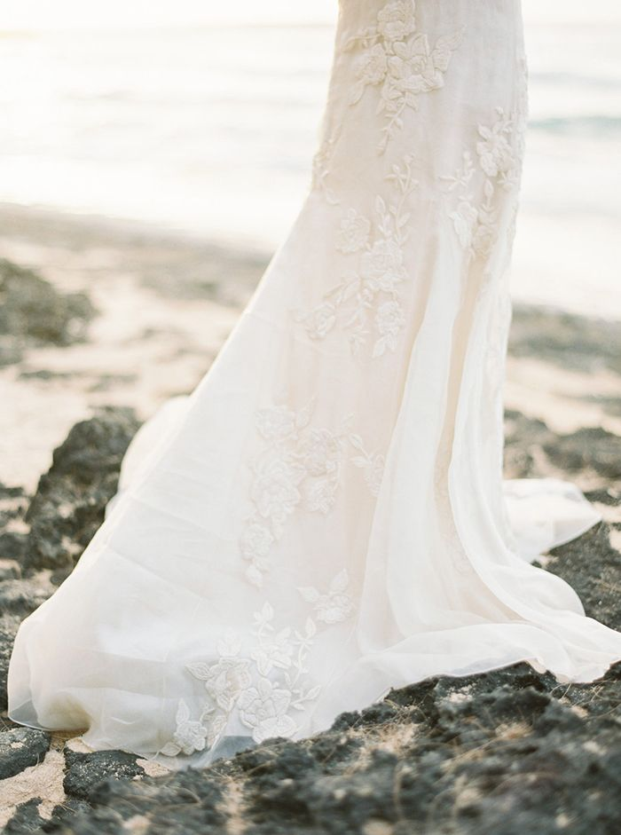8-floral-lace-wedding-gown