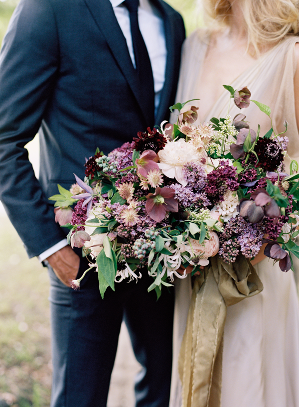 elegant-purple-wedding-bouquet