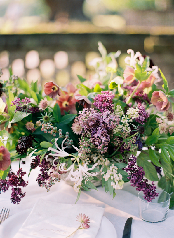purple-spring-wedding-centerpieces