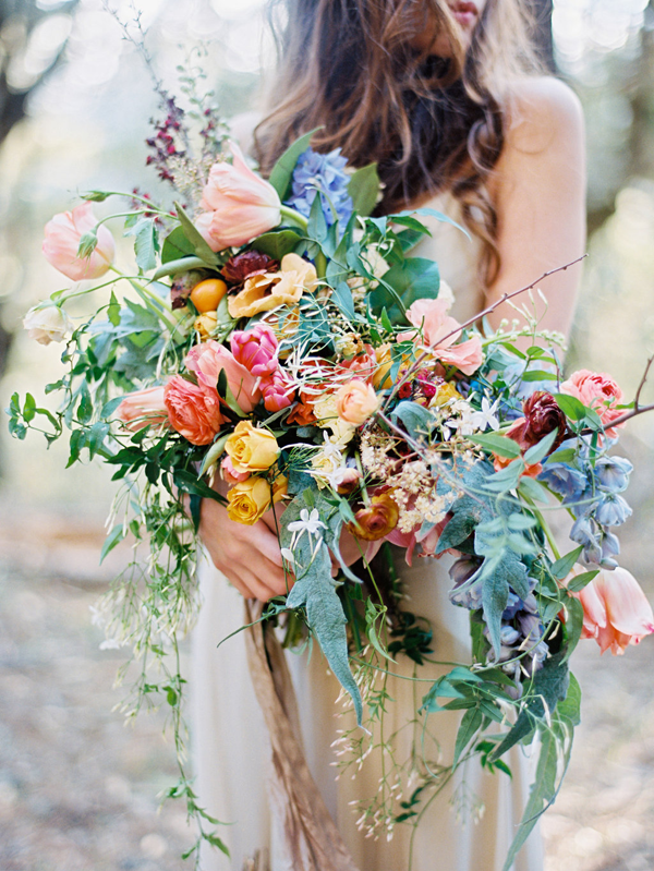 rustic-colorful-wedding-bouquets