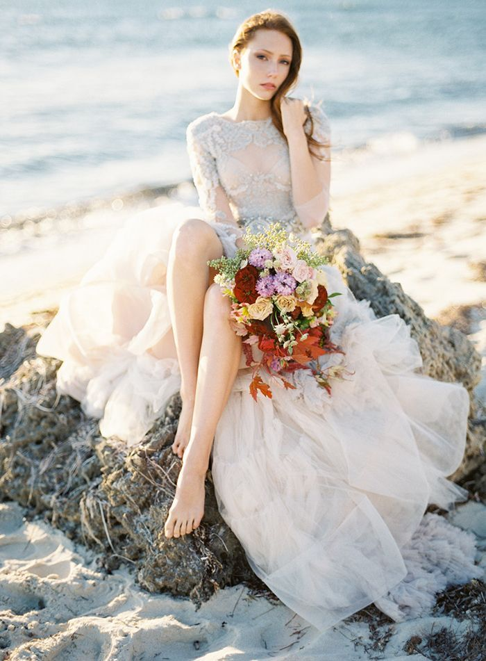 11-bright-colors-beach-wedding