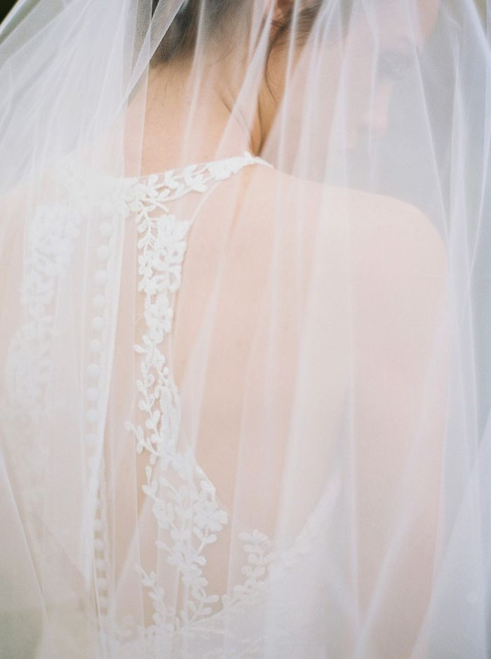 18-delicate-lace-spring-wedding