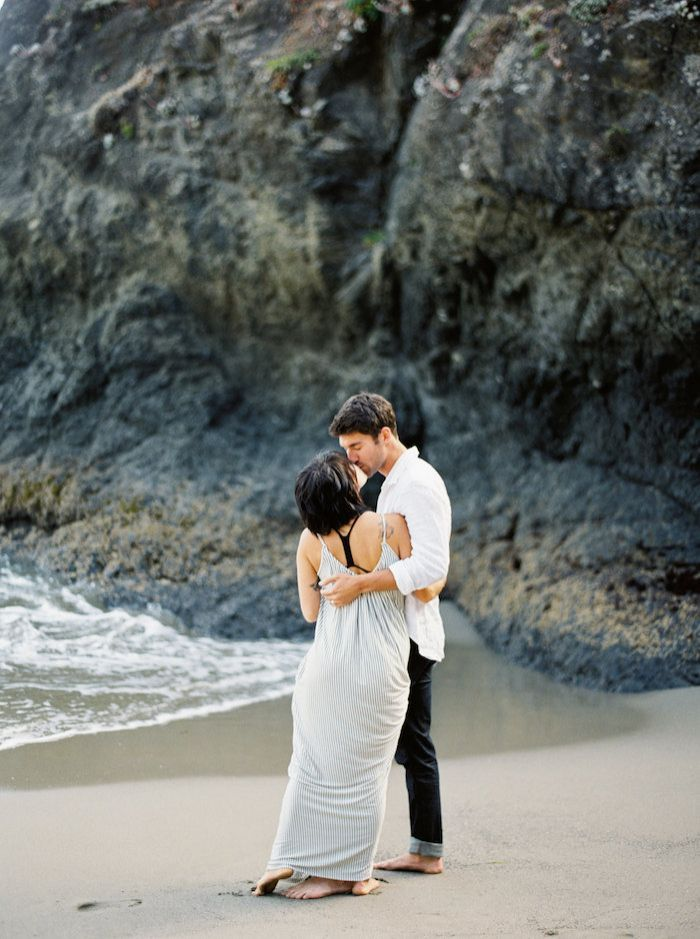 2-oceanside-engagement-inspiration